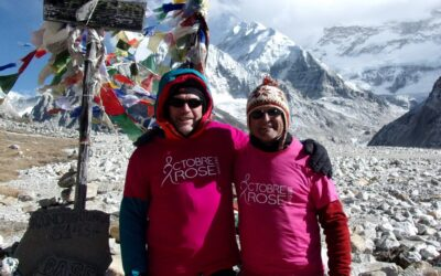 Les couleurs d'Octobre rose portées jusque dans les hauteurs du Népal